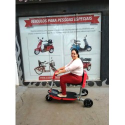 Triciclo Elétrico Dobrável Scooter Portátil Cor Vermelha